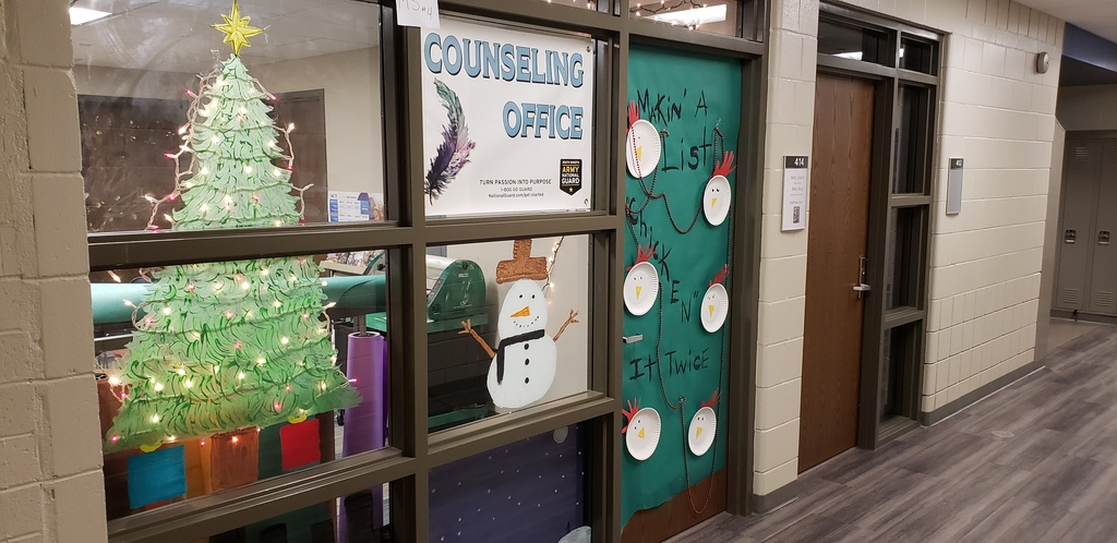 MS Window Decorating Contest